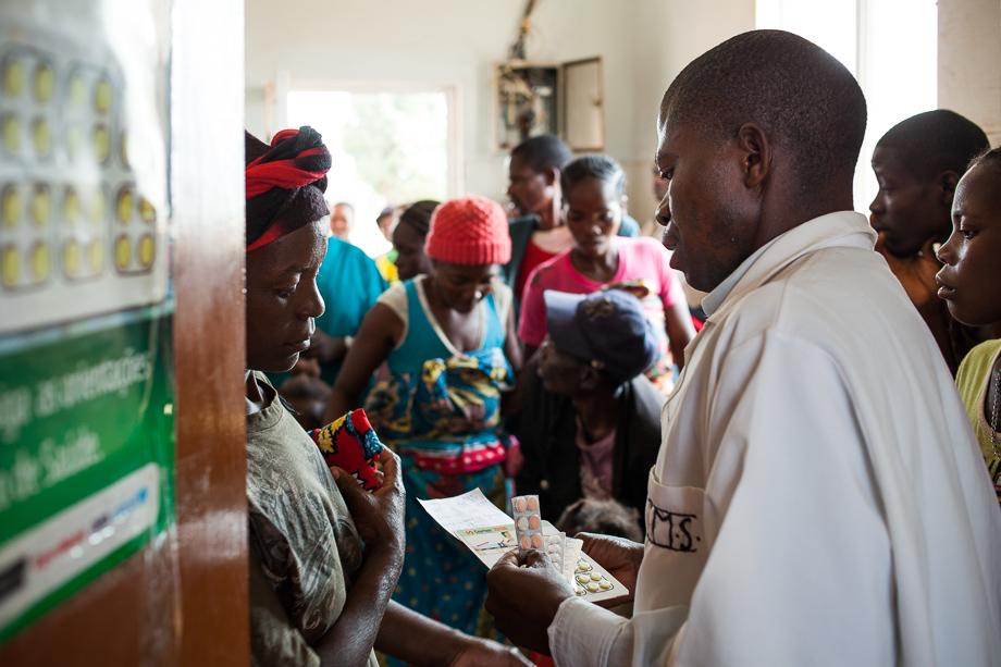 Centro de salud en Katabola (Angola)